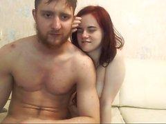 Amateur Cutie Rotschopf sich auf Live-Webcam fingern
