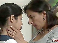 Überhöhung Study Ermöglicht Tittenfick Lesben