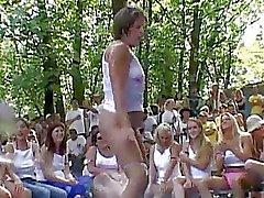 Nudes Ein Poppin Amateur Wettbewerbs S. ..