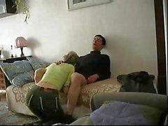 Он устанавливал камеру прежде чем она получили там