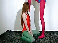Girlsongirls Cabeludo em calças de nylon amando