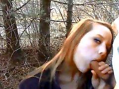 Hot shamless de baise l'étudiante dans un jardin public