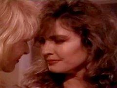 Ashlyn Gere Bionca Nina Hartley in Lesben machen Liebe in heißen klassischen xxx Dreier