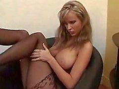 Фотографий грудастая одиночку девушка в офис