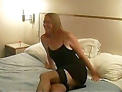 WHITE Tramp geht ohne Kondom In 2 Black Stier ! TEXAS_714
