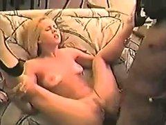 Erstaunlich blonde hardcore interracial Sex