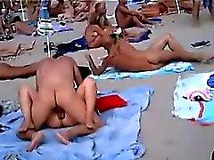 pareja cojiendo nl playa publica