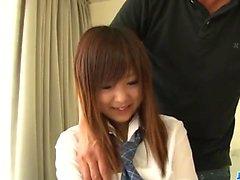 Miku Airi olgun horoz için ihtiyacı olan bir sıcak kız öğrenci olduğunu