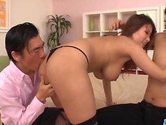Юме Мидзуки любит хуй в ее киске и заднице
