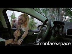 Узкие блондинки игр с моей мячи во время I ВСПЫШКА Диком - cumonface.space