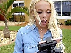ExxxtraSmall Nette Blonde gefangen Spionage