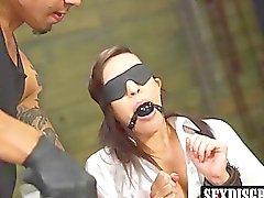 salope vilain Rachel Rae appréciant façon Brunos de baise dur
