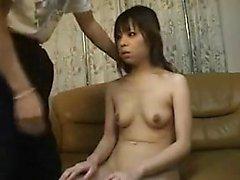 novia aficionado asiático da una mamada POV HD