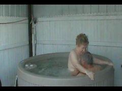 Hot Tub eğlencesi.
