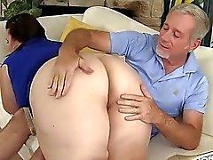 Big сиськастый зрелые толстушка леди Lynn получает ее киска DRI