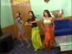 Пакистане подростков танцевальные