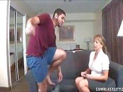 Gran Masturbation mit riesigen Boos
