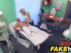 Fake Hospital Big Tits geilen Milf Chiropraktiker