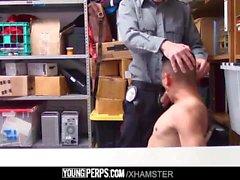 YoungPerps - латиноамериканец, лишенный и трахнутый торговым центром