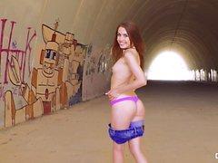 CHICAS LOCA - Outdoor vitun Ukrainan tyttö Elle Rose
