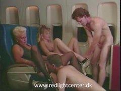 80ies vuosikerta tyttöjen nauttia seksistä lentokokemus lentokoneella