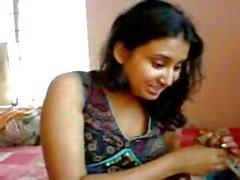 Intialainen tyttö N Boy