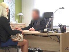 LOAN4K. Bonita modelo en lencería acepta sexo por dinero en efectivo en la oficina de préstamo
