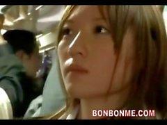 écolière vous séduire baiser de connaisseur de du bus 03
