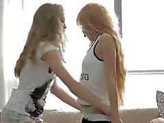 Jugendlich Gnade anpissen 2 girls stechen 1 Mann sehr heiß!