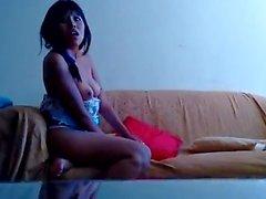 Cachando a una puta peruana en mi casa FULL HD
