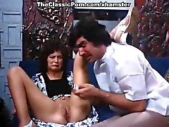 Линда Лавлейс , Гарри Римс , Долли Шарп выполнен в классическом порнографии