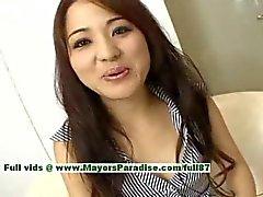 Miina splendida ragazza cinese ottiene capezzoli leccati