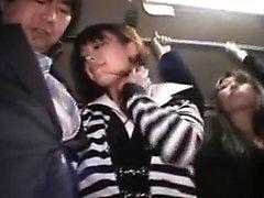 I ragazzi gustosissimi giapponesi condividono il loro desiderio intenso per il cazzo