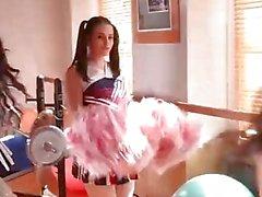 DDF Nätverks Nekane och jasmin Webb Anpassat för körd i Cheerleaders kläder