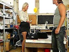 Jizz шлюха моча на каблуках