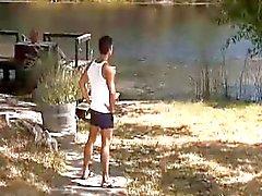 Junto al lago Trozo Mierda