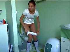 португальского Наташа в туалете