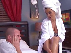 Big ass mature babe Lisa Ann fucked by young hunk
