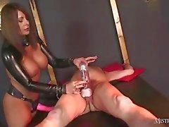 Señora se hace esclavo de el GIMP chupa cum de strapon empapadas tras de masturbarse y el bombeo polla