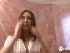 Sexy Megan Loxx obtient sa chatte doigter dans pov vidéo
