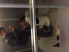 Elevator Amateur geblasen
