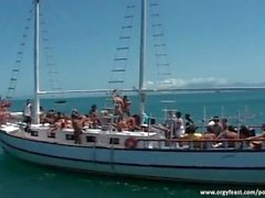 l'action Orgie sur le yacht