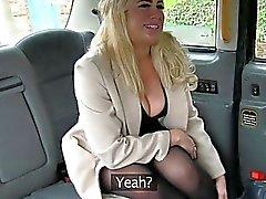Super heiß chick erhält ihre Fotze creampied