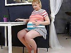 Der schwangeren Jenny 05 vom MyPreggo (dot) com