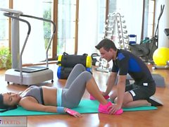 FitnessRooms Orgasmos múltiplos para ginásio ninfa