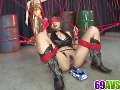 Honoka Kuriyama grave giocattolo porno in azione di gruppo