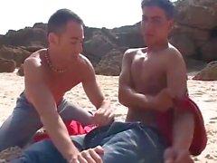 Arab Beachboy vittuu eurooppalaiselle rannalle