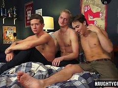 threesome gay quente com Ejaculação