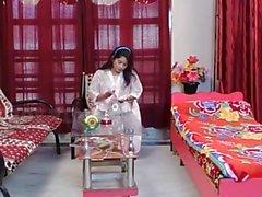 Akeli Pyasi Jawan Bhabhi Xxx desi bhabhi Urdu huijaaminen bollywood Story 2