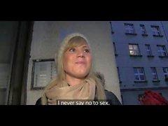 PublicAgent Erstaunlicher Fick mit einer LILLIAN sexy Blondine
